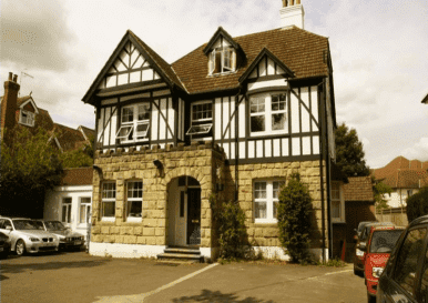 Victorian 10 Bedroomed Gatwick Guest House