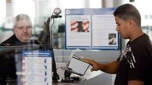 Почему туристическая виза в США, выданная на 5 или 10 лет, не дает возможности длительного пребывания на территории страны?